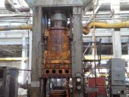 Hydraulic press for plastics, force 1000t