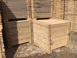Kereste üretimi: palet, inşaat tahtası, kereste, çam ağacı b