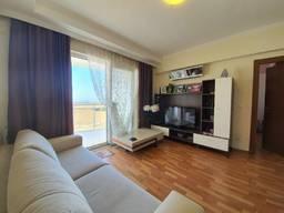 В Современном ЖК с огромным бассеином продается 2-х комнатная мебелированная квартира